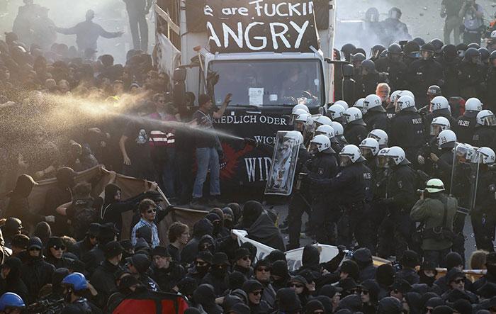 Protester-
